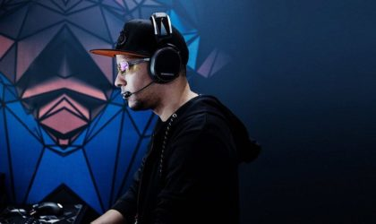 10 Must-have gaming accessories that will help you level up - SteelSeries Arctic 7 01