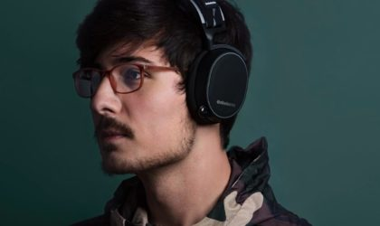 10 Must-have gaming accessories that will help you level up - SteelSeries Arctic 7 02