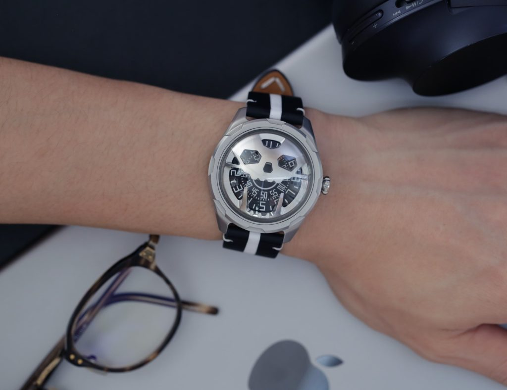 AISION+Stereoscopic+Skull+Watch+reminds+you+to+pursue+new+passions