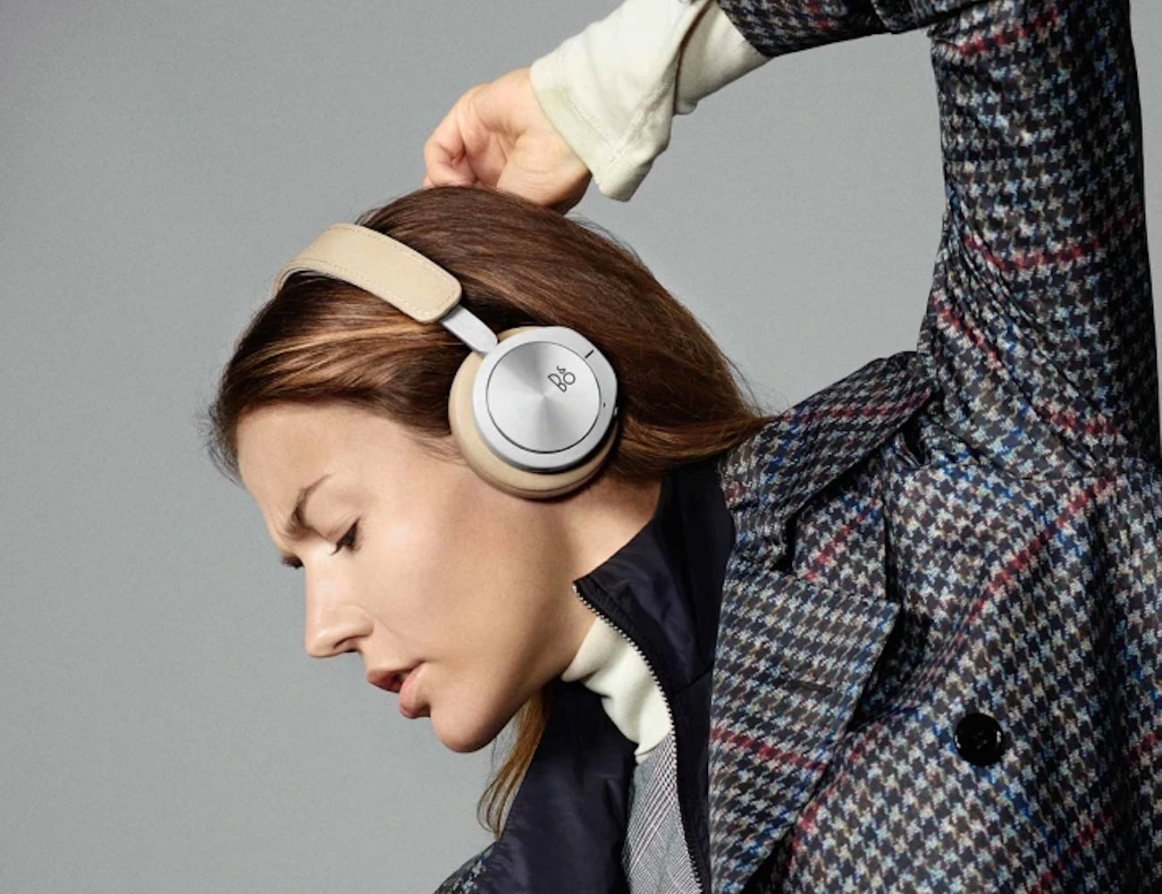 Bang & Olufsen Beoplay H8i Luxurious On-Ear Headphones are super comfortable
