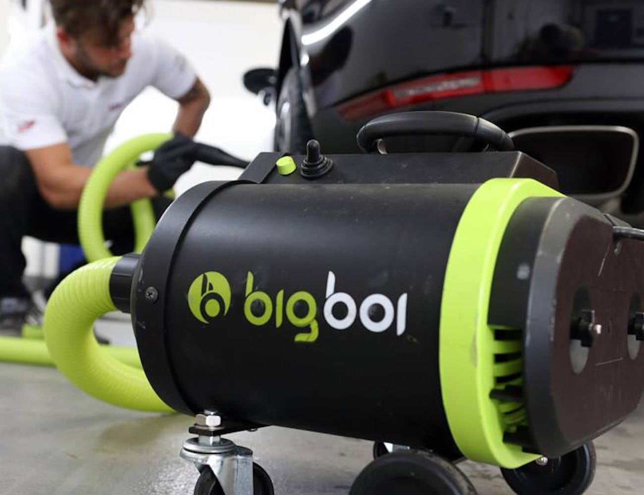 BigBoi Blowr Mini Miniature Air Blower is great for blowing dust and dirt from your car