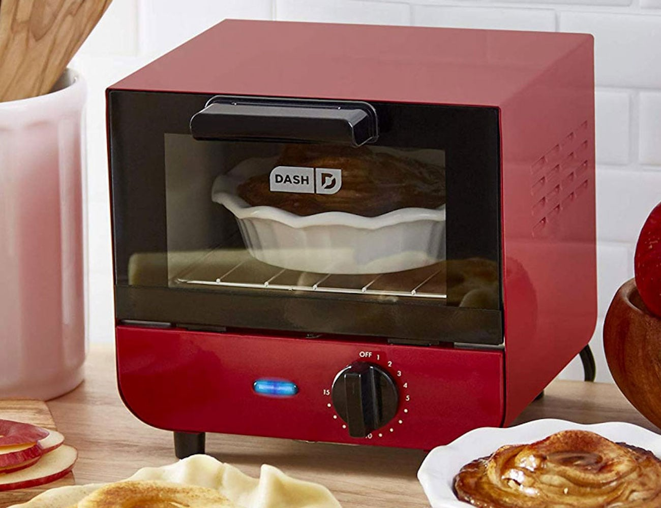 Dash Mini Toaster Oven is 550 watts of countertop cooking power