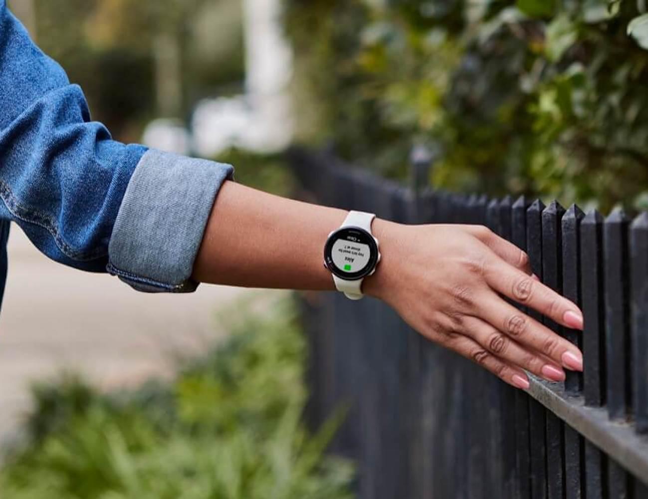 Garmin Forerunner 45 GPS Running Watch tracks your exercise activity