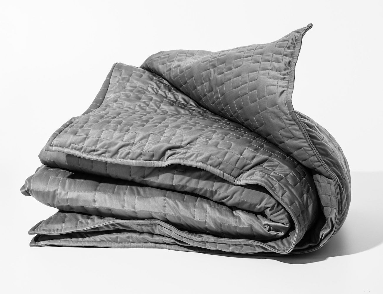 This Weighted Cooling Blanket Helps You Sleep In Hot Weather
