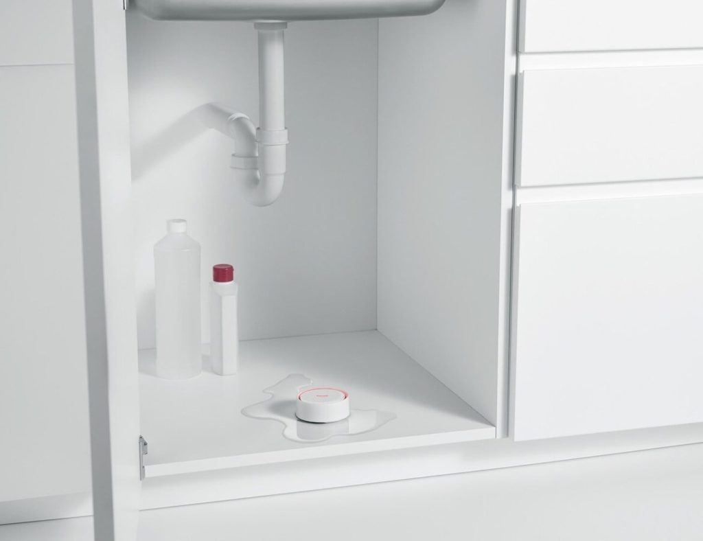 GROHE+Sense+Smart+Water+Sensor+detects+leaks+when+you%E2%80%99re+away+from+home.