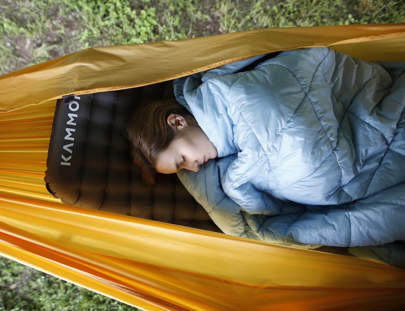 Kammok Pongo 3-Inch Inflatable Sleeping Pad helps you sleep comfortably while camping