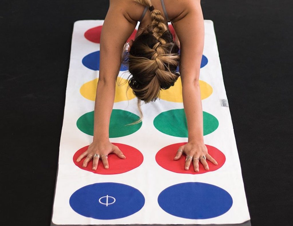Leus+Twister-Inspired+Yoga+Mat+Towel+is+here+to+gamify+your+workout
