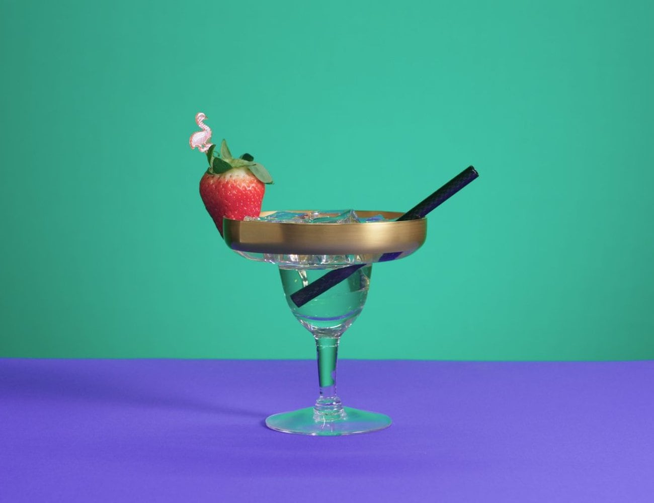 Lustir Carbon Fiber Drinking Straws are a stylish alternative to bendy straws