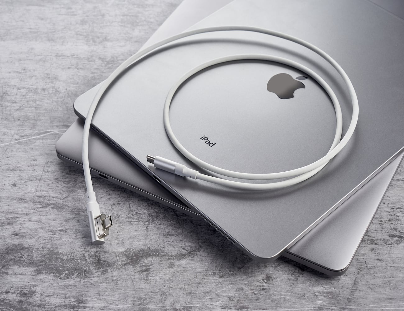 Magabolt MagX USB-C Magnetic Cable transfers data incredibly fast