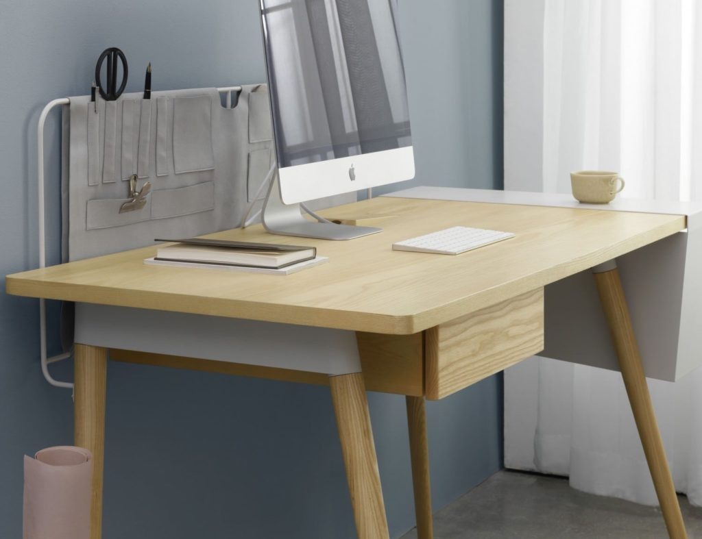 Mario+Tsai+Pure+Desk+Handcrafted+Wooden+Workspace+combines+elegancy+and+efficiency
