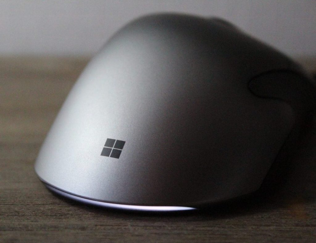 Microsoft+Pro+IntelliMouse+Super-Precise+Gaming+Mouse+has+customizable+buttons