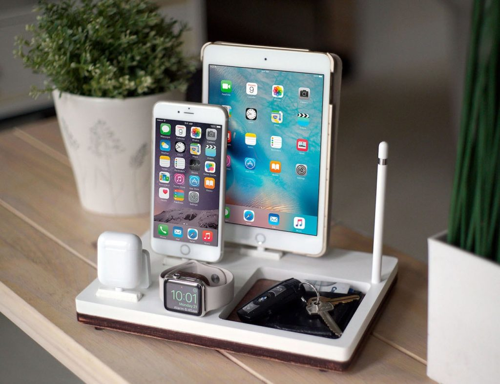 NytStnd+Multi-Device+Charging+Station+organizes+all+your+devices