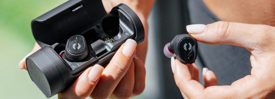 Phiaton's BOLT Earphones bring the power and the convenience