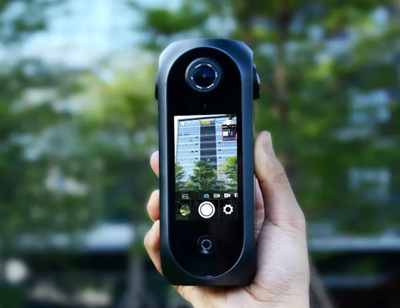 Pilot Era 8K 360° Compact VR Camera offers incredible touchscreen previews