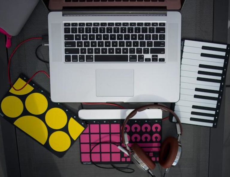 Sensel+Morph+MIDI+Controller+is+completely+portable