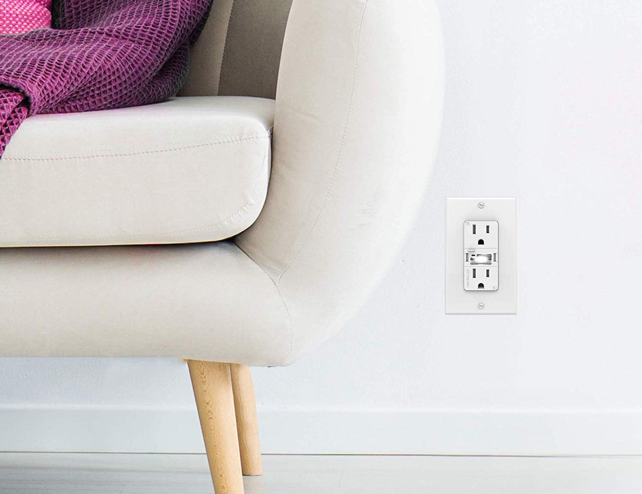 Swidget Customizable 15A Smart Outlet makes life a whole lot more convenient