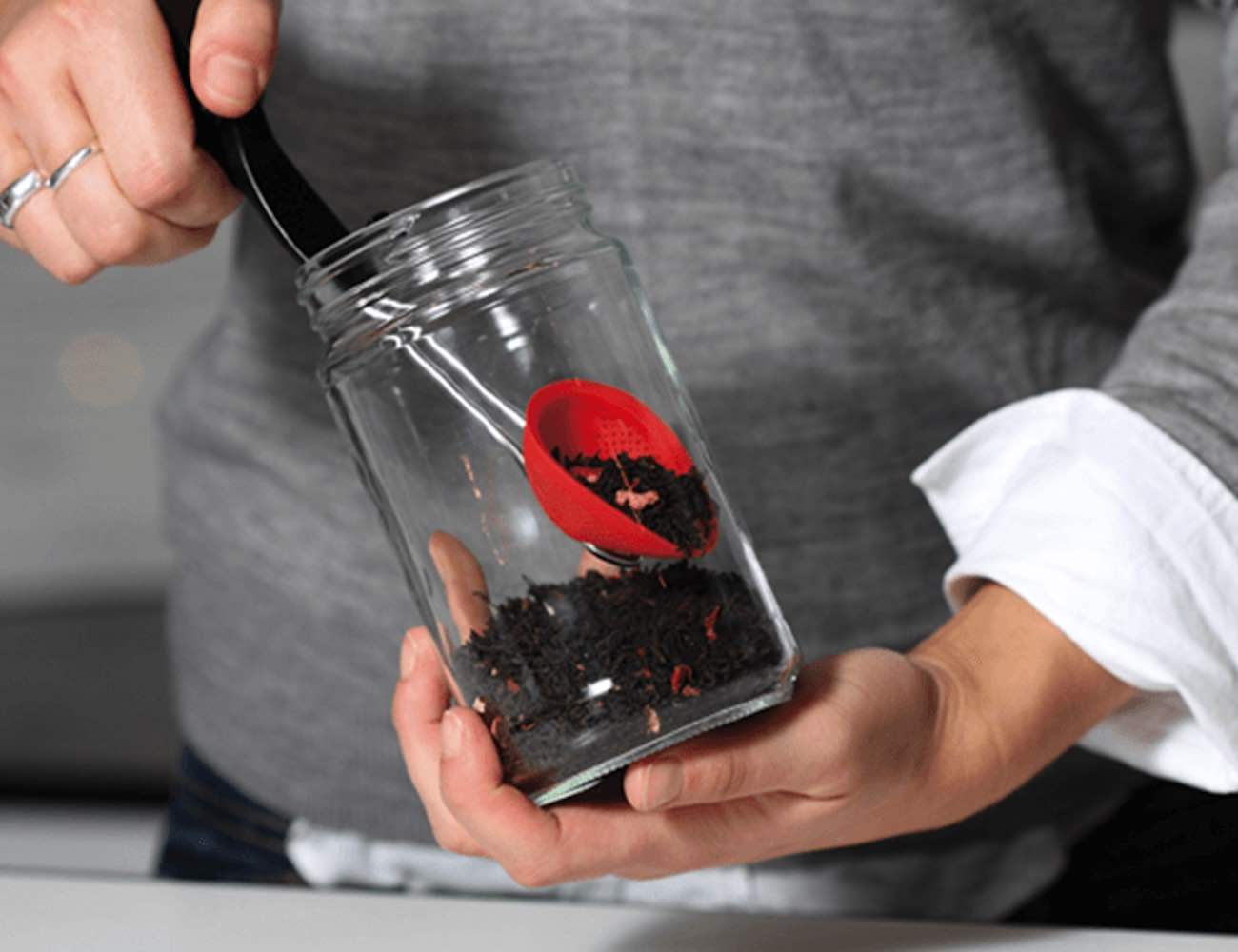 Teafu Squeezable Silicone Tea Infuser gets out every last drop of water