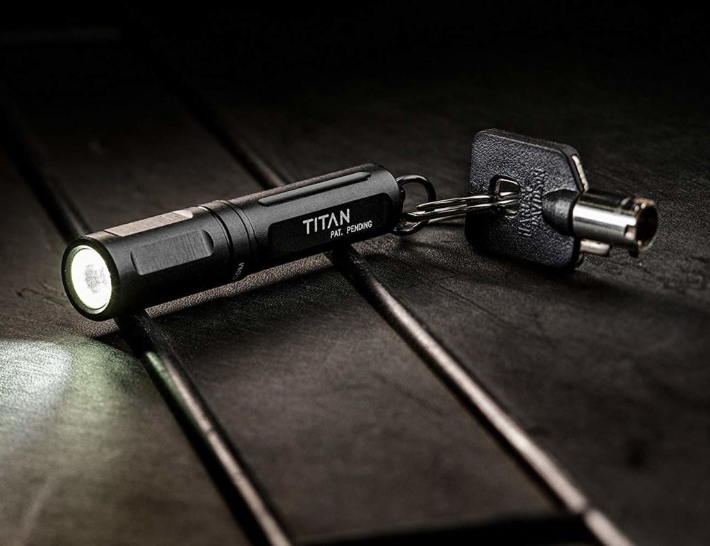 Surefire+Titan+Ultra-Compact+LED+Keychain+Light+is+a+powerful+and+portable+flashlight