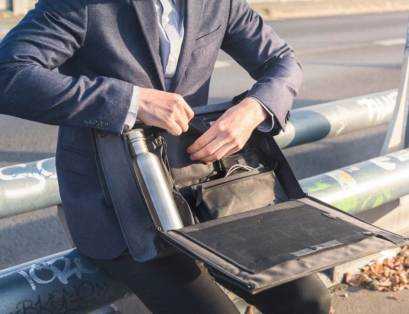 Urban Nomads Workstation Laptop Bag lets you work absolutely anywhere loading=