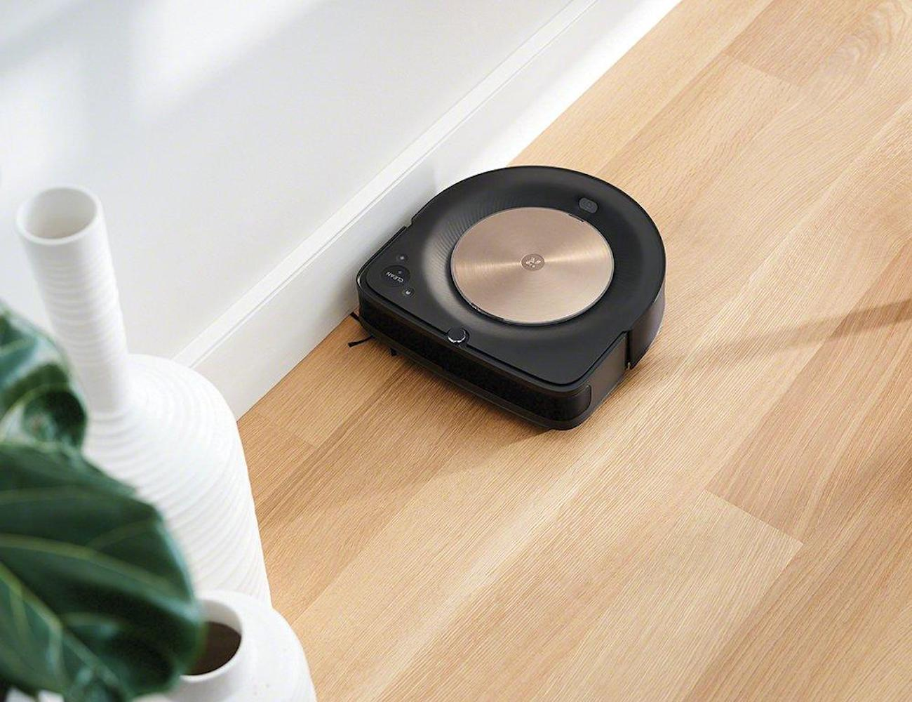 iRobot Roomba s9+ Automatic Dirt Disposal Vacuum can communicate with your mop