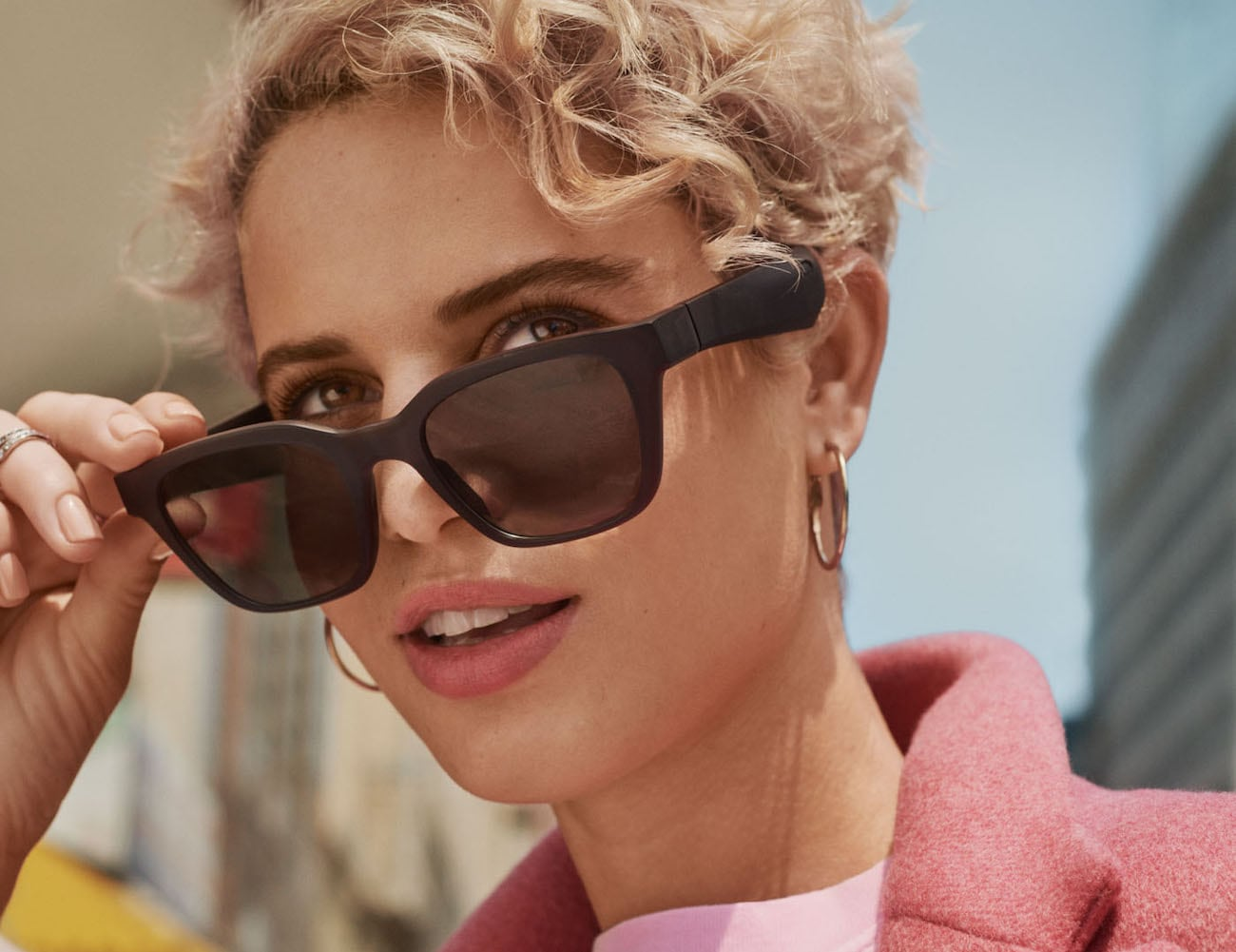 Bose Frames Rondo Audio Sunglasses have mini speakers near your ears