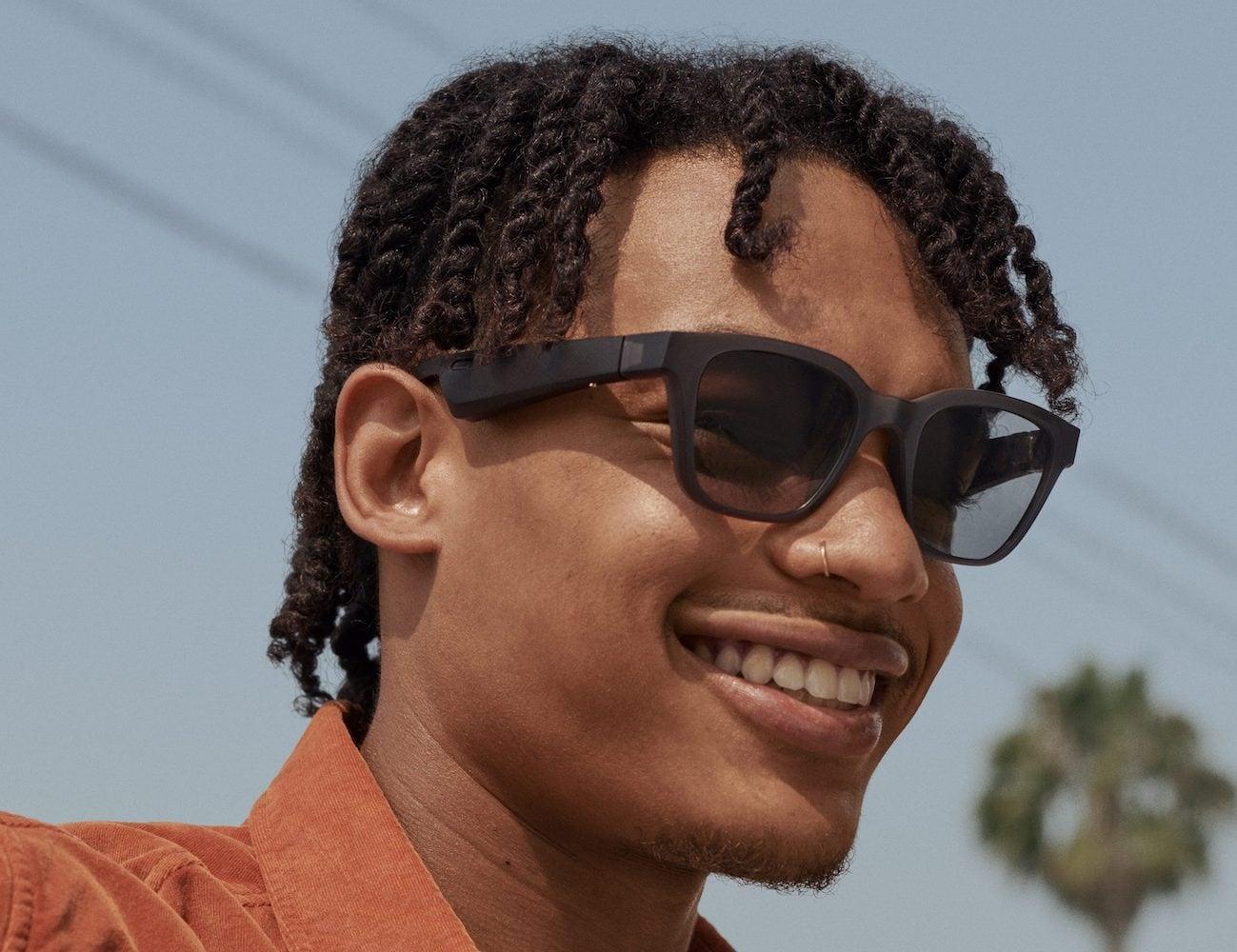 Bose Frames Rondo Audio Sunglasses have mini speakers near your ears