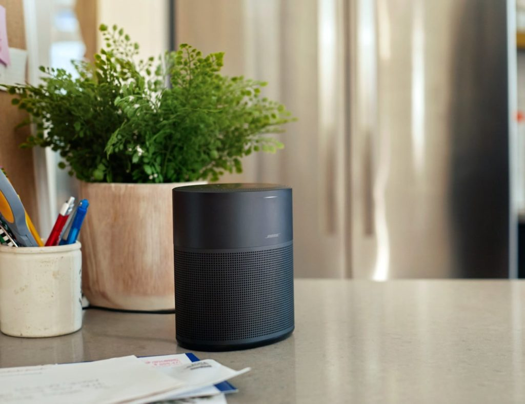 Bose+Home+Speaker+300+Small+Smart+Speaker+provides+360%C2%B0+sound+from+just+6%26%238243%3B+high
