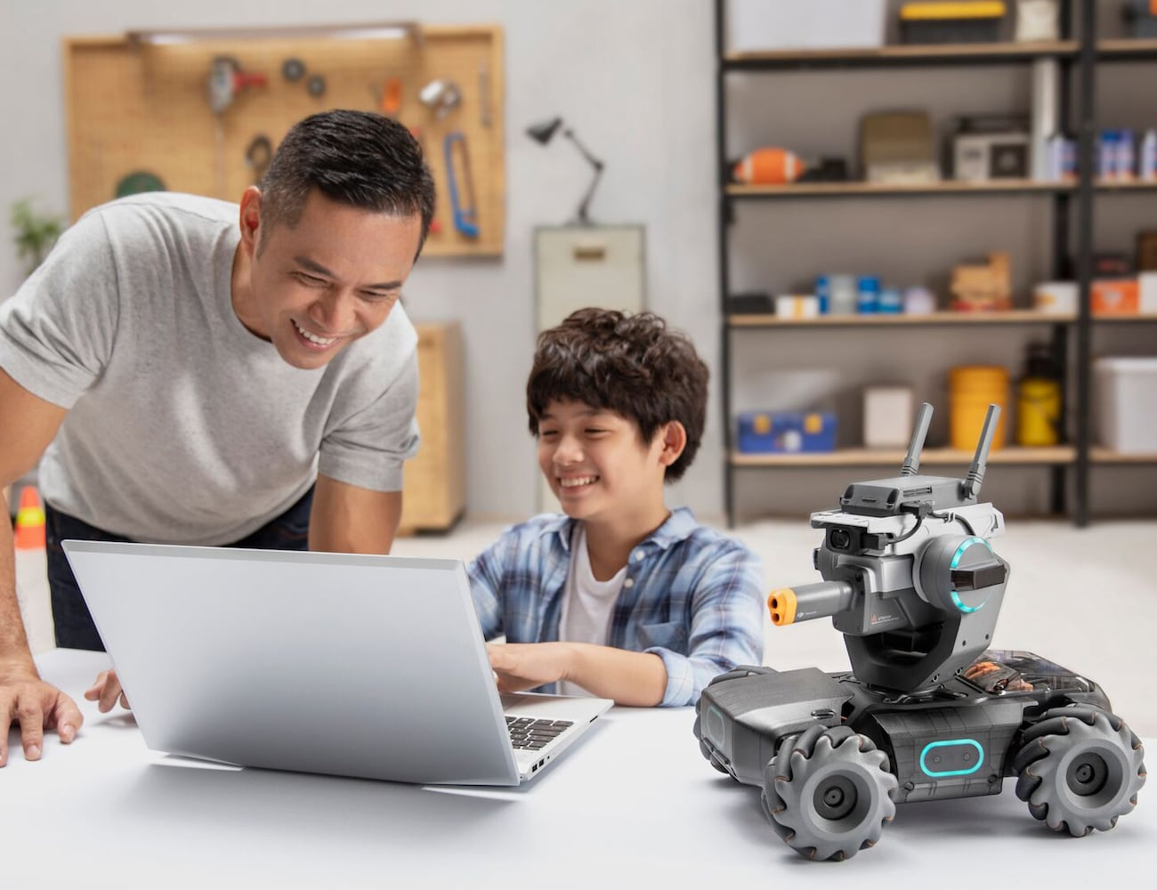 DJI RoboMaster S1 Educational Robot teaches kids how to code