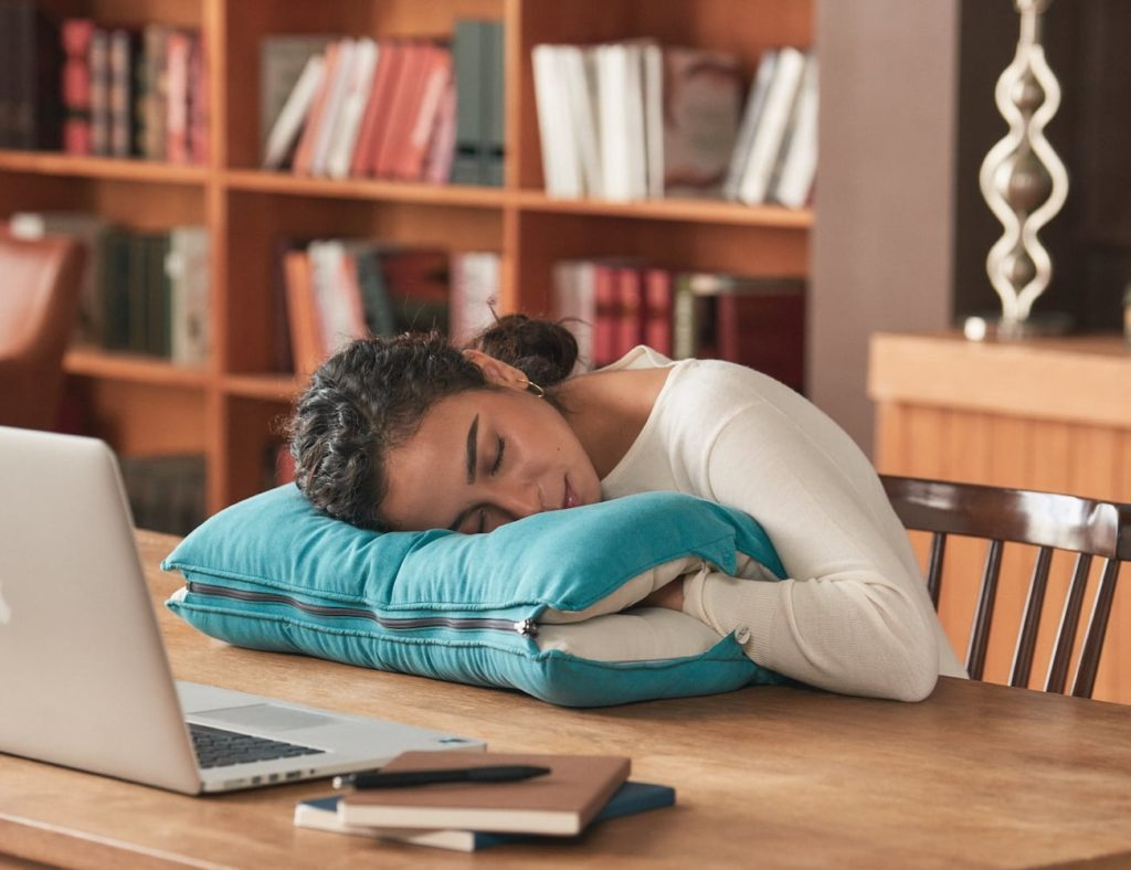 Dullo+Neck+Relief+Pillow+is+ergonomically+designed+to+give+you+deep+sleep