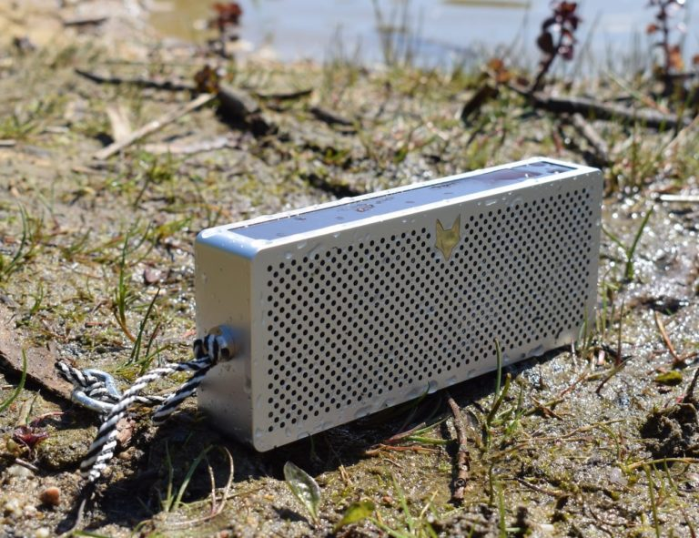 FOXILON+P45+Solar-Powered+Travel+Speaker+is+built+for+your+outdoor+lifestyle