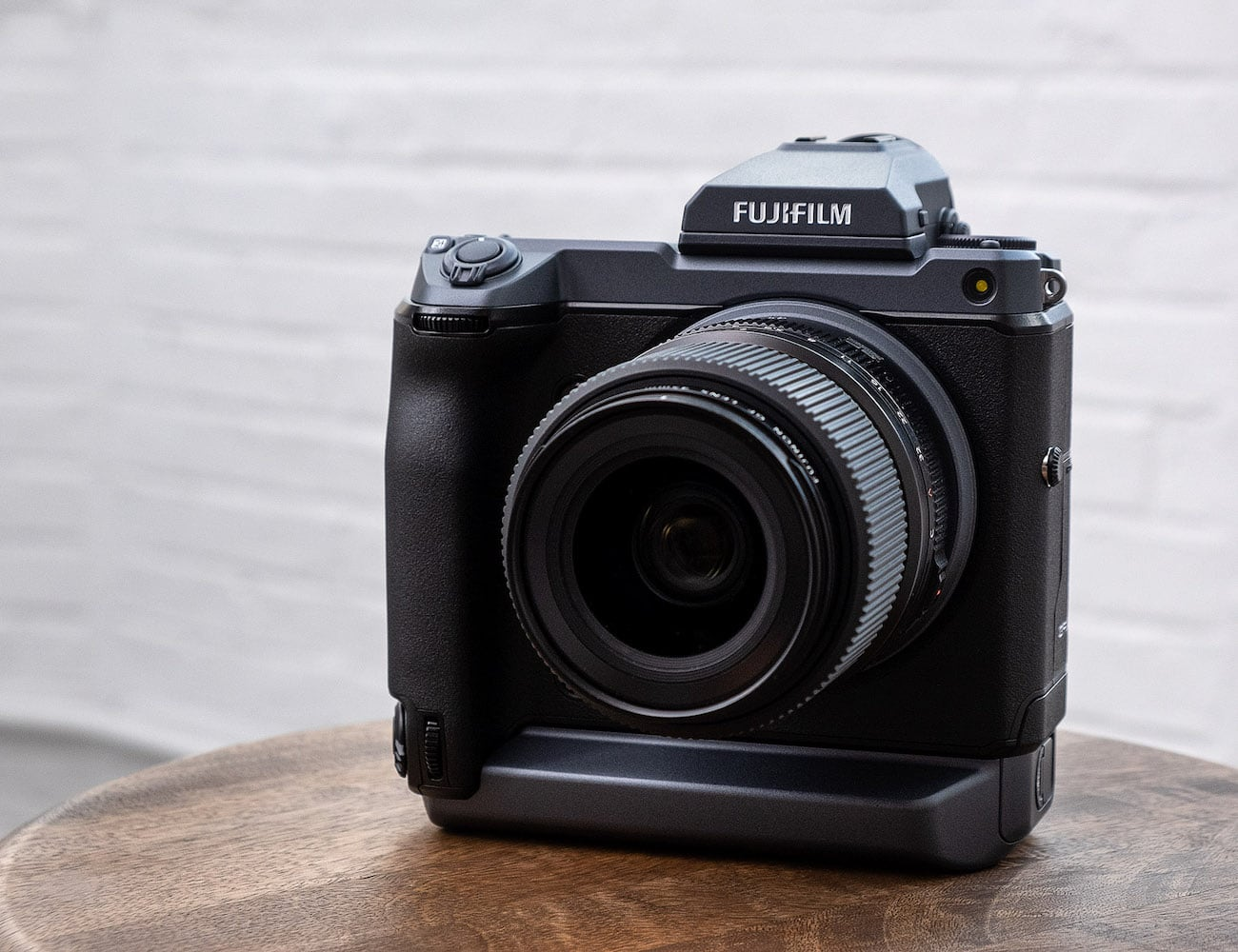 FUJIFILM GFX100 Medium Format Mirrorless Camera captures 100 MP images by hand