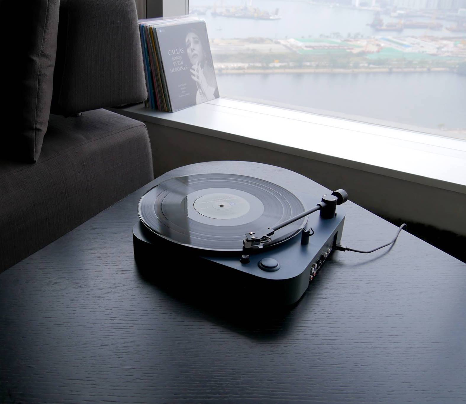 Headache Sound OMNI Portable Record Player goes with you anywhere
