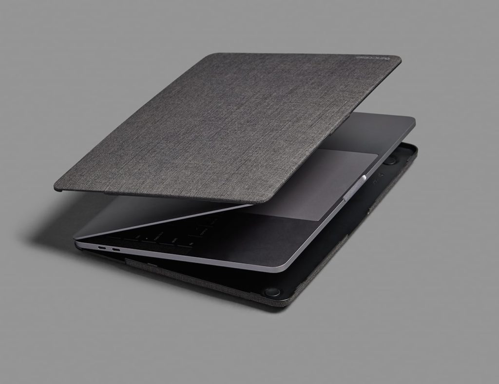 Incase+MacBook+Textured+Hardshell+Laptop+Case+is+an+achievement+in+both+form+and+function