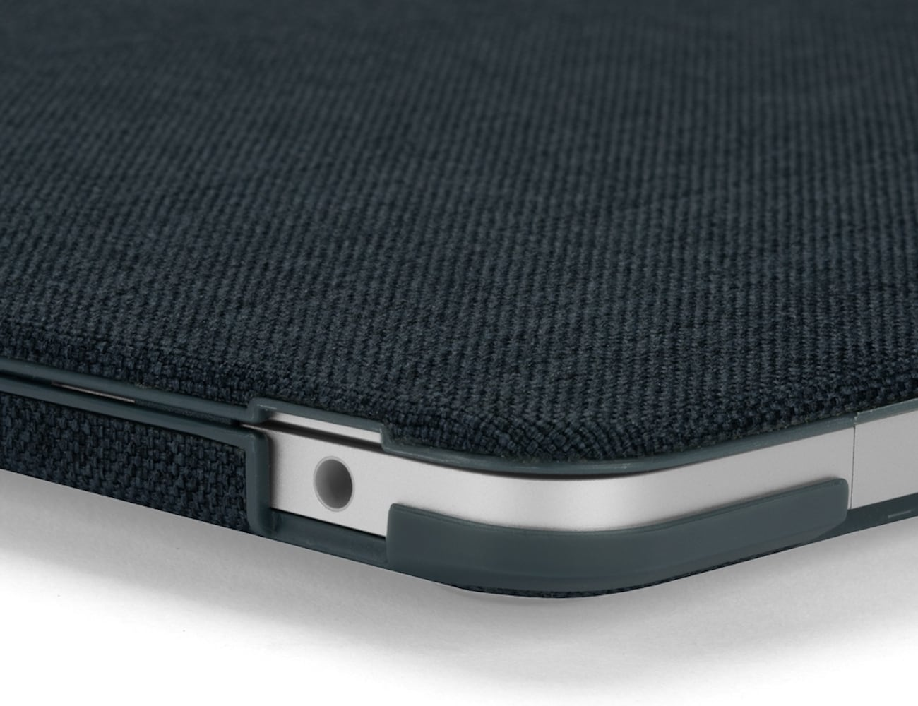 Incase MacBook Textured Hardshell Laptop Case is an achievement in both form and function