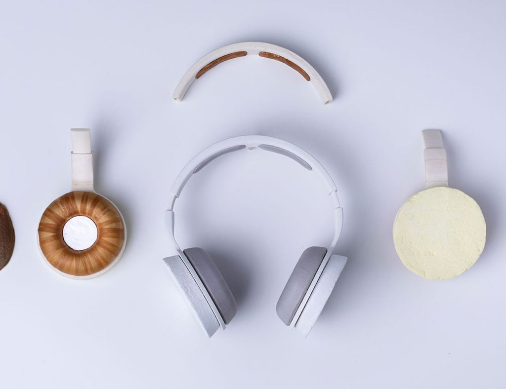 Korvaa+Microbe-Grown+Headset+gives+you+a+living+pair+of+headphones