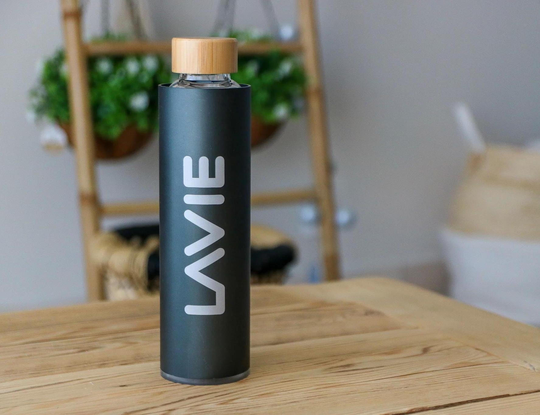 LaVie 2GO Purifying Water Bottle improves the taste of tap water