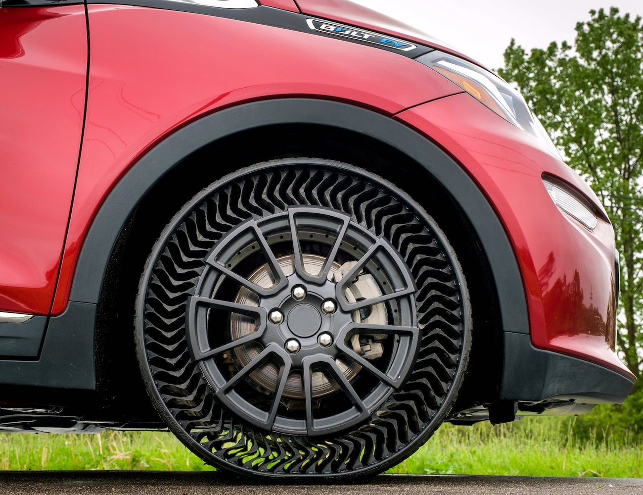 Michelin Uptis Airless Vehicle Wheel makes it impossible for your car's wheels to go flat