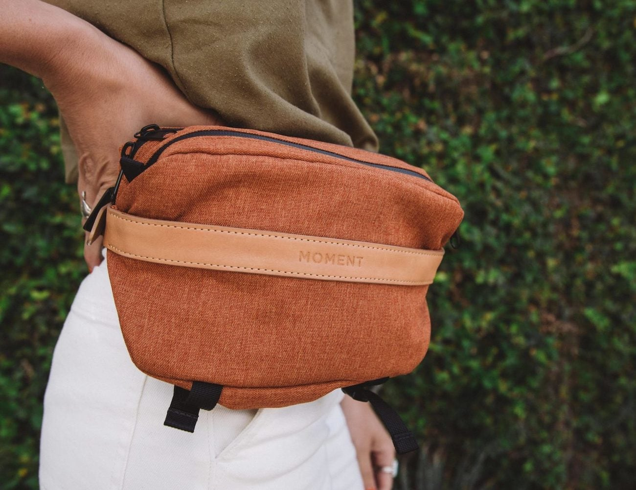 Moment Fanny Sling Day Bag is a convenient everyday bag