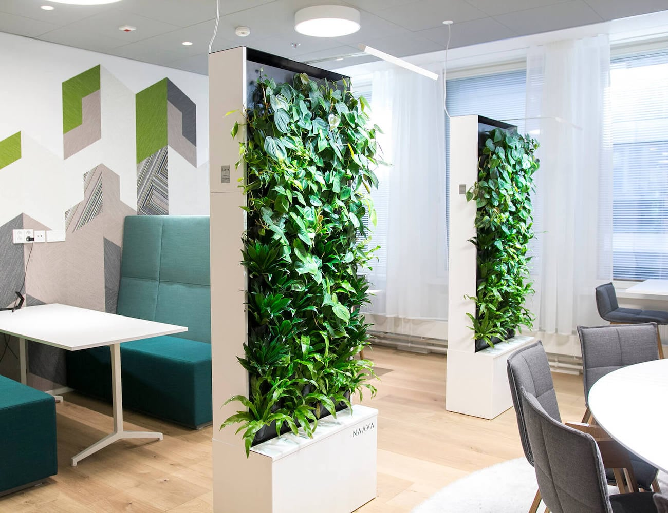 Naava One Green Wall Freestanding Planter gives your indoor environment an outdoor touch
