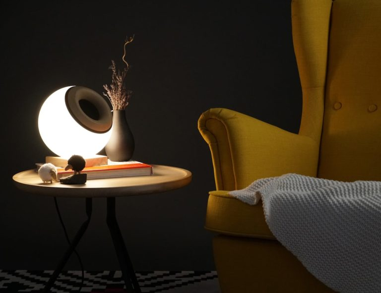 Oupio+Smart+Lamp+Bluetooth+Speaker+controls+all+aspects+of+a+room%26%238217%3Bs+ambiance