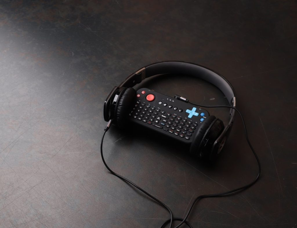 Power-Vessel+All-in-One+Gaming+Keyboard+goes+with+you+anywhere