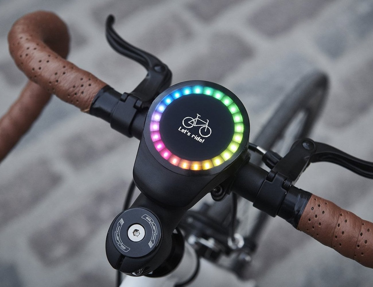 SmartHalo 2 Smart Biking Device helps you easily navigate you to your destination
