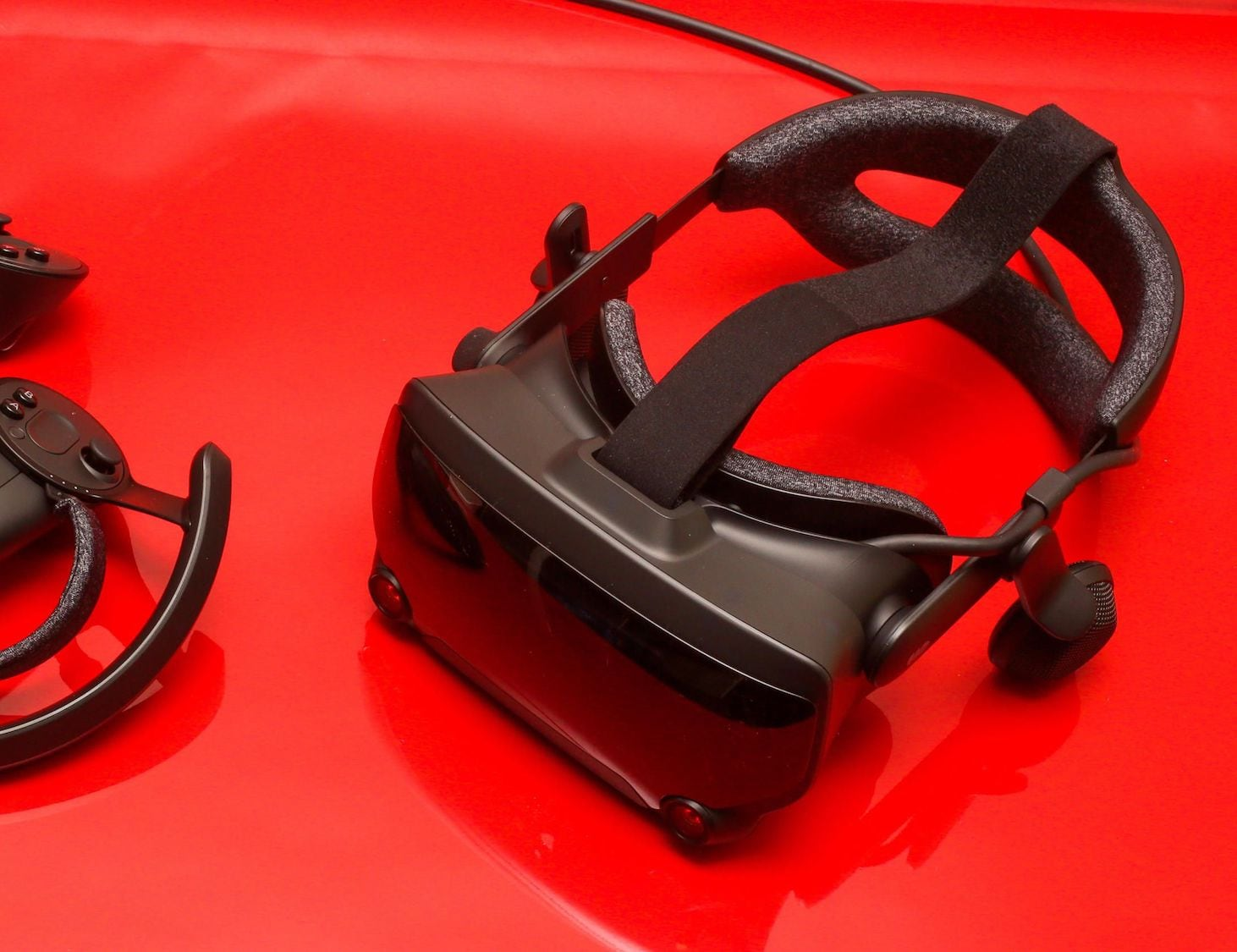 Valve Index Ergonomically Designed VR Headset was created with comfort in mind