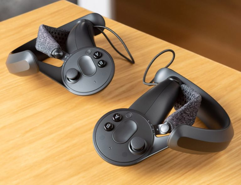 Valve+Index+VR+Gaming+Controller+is+designed+to+be+worn+not+held