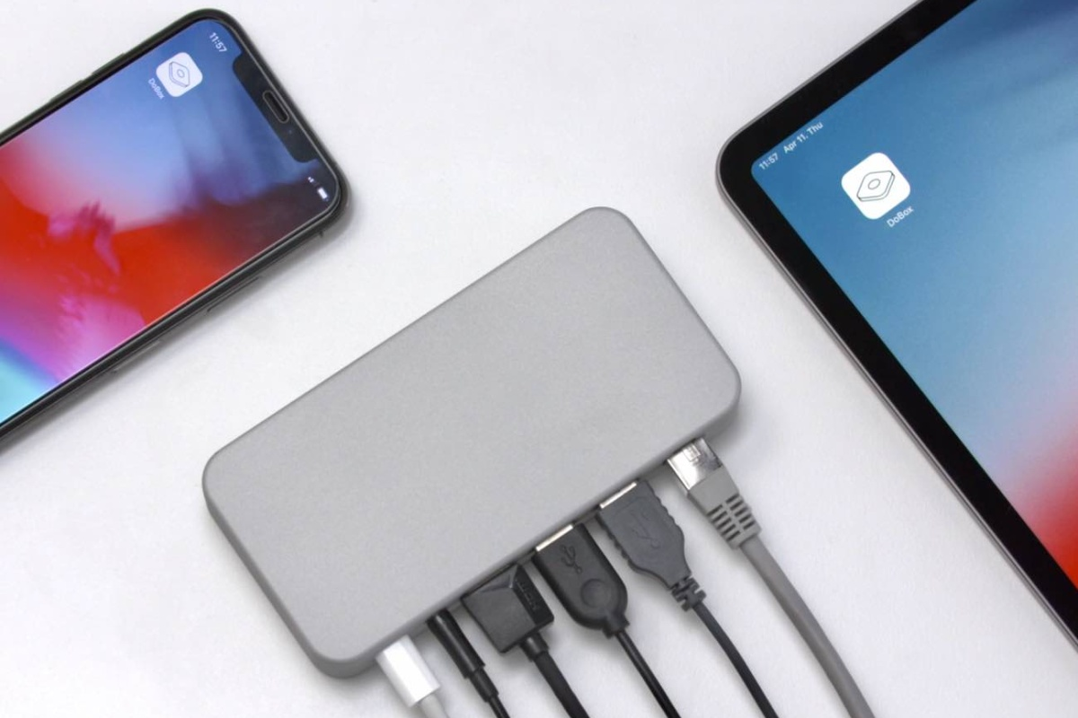 DoBox Mini is the ultimate hub for your iOS devices