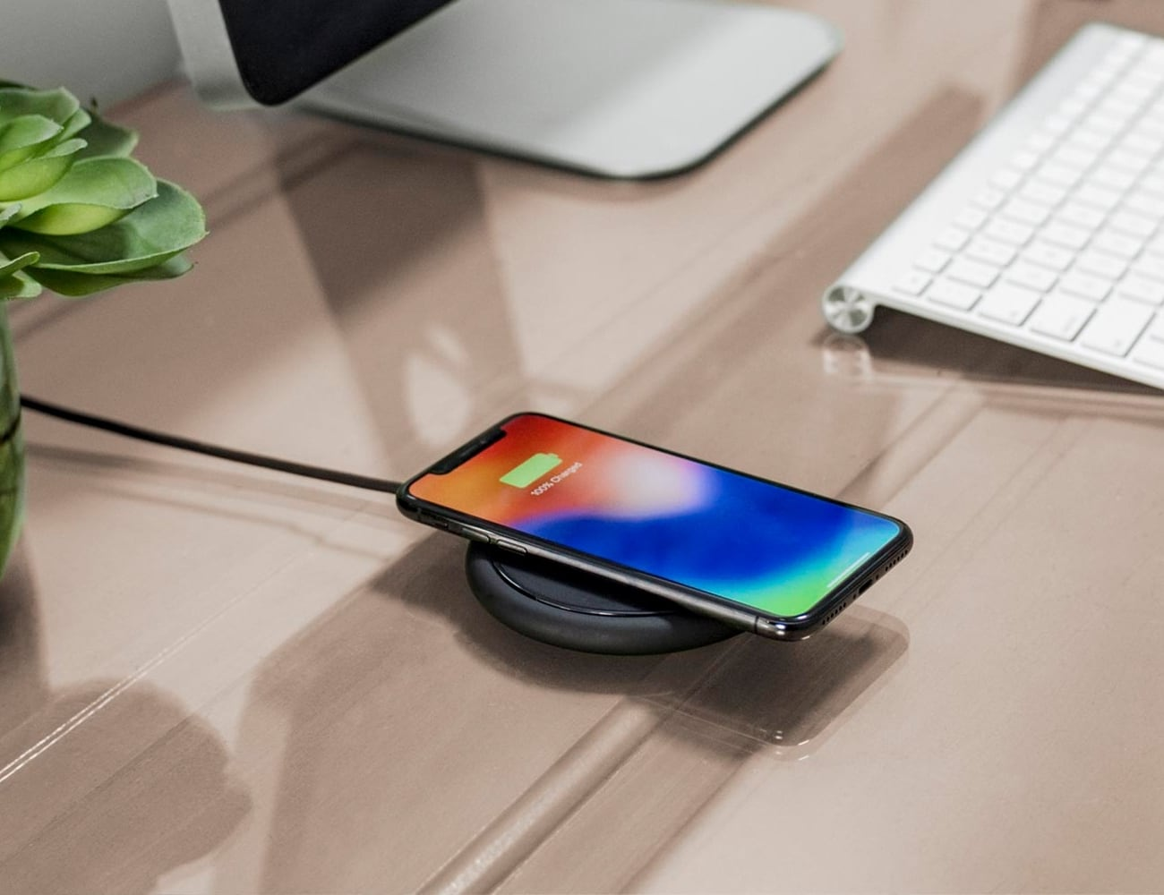 mophie charge stream pad+ Wireless Charger fast charges Qi-enabled smartphones
