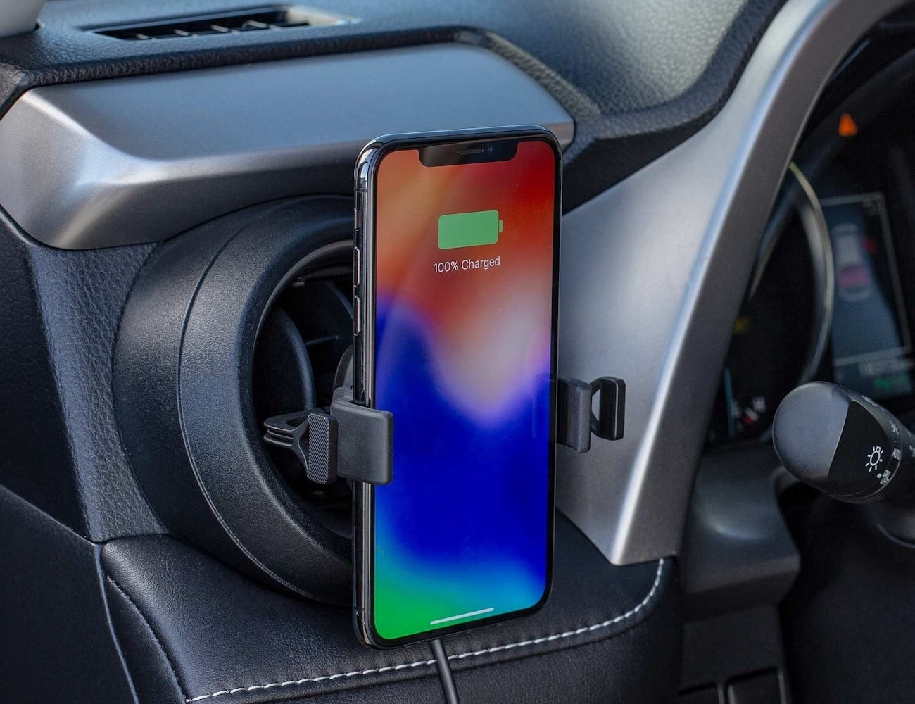 mophie charge stream vent mount Vehicle Phone Holder lets you power up in your car