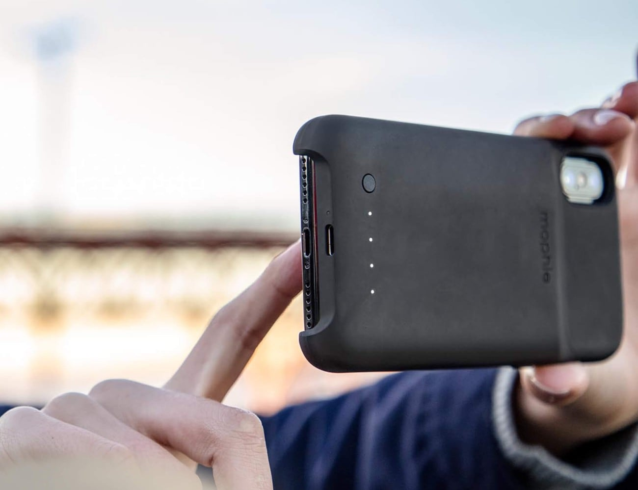 brand new eb43b 9497b mophie juice pack access iPhone X and Xs Battery Case lets you charge up on  the go