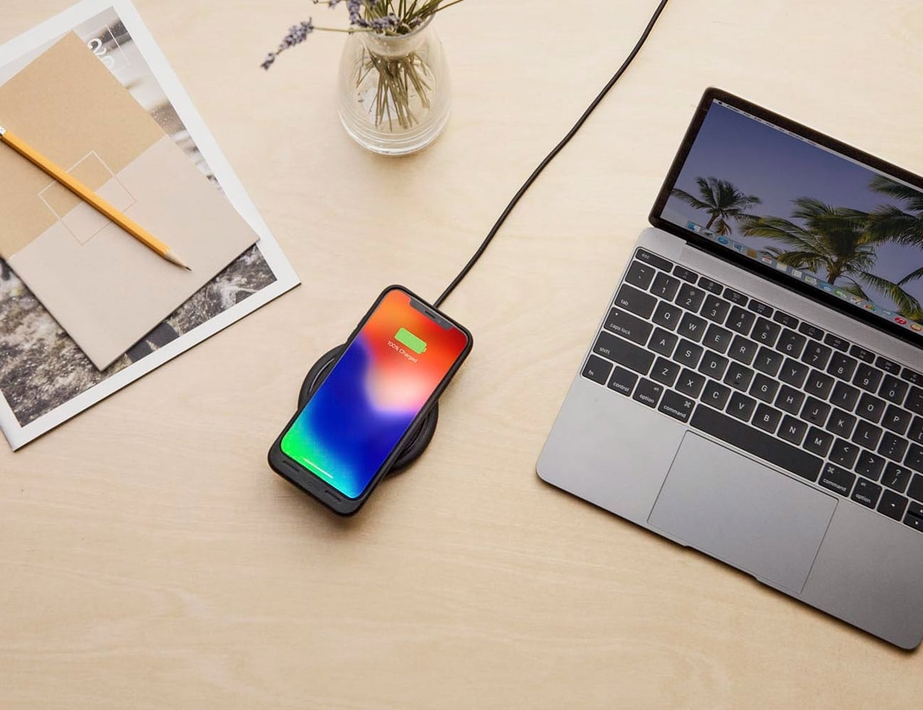 mophie juice pack air iPhone X Battery Case can wirelessly charge your smartphone