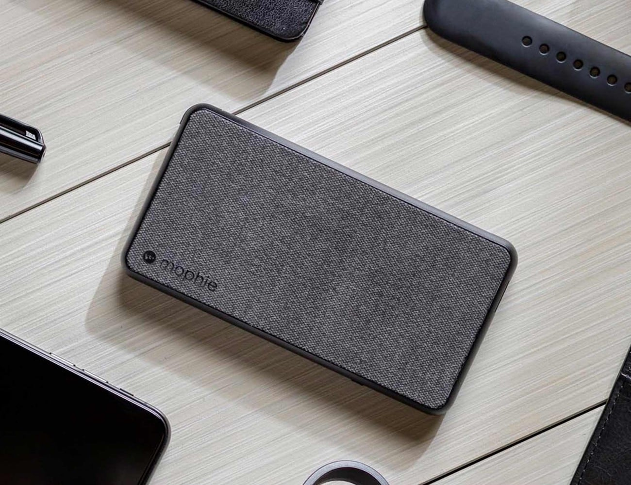 mophie powerstation plus Fabric Power Bank has 6,040 mAh of battery power